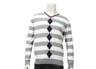 China Mens Spring Intarsia Knitting Patterns V Neck Soft Yarn Striped Pullover Sweater supplier